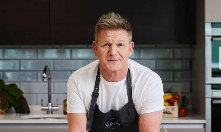 Gordon Ramsay nel suo nuovo programma di cucina